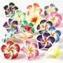 Bloemen van klei, d: 25 mm, gatgrootte 0,5 mm, diverse kleuren, 16div